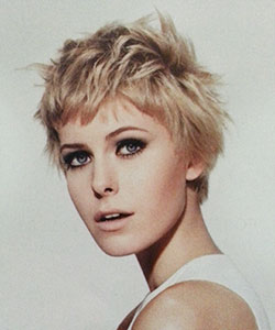 cute messy hairstyle on a pixie haircut