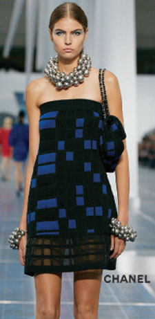 model with strapless textured cotton knit dress in black and blue checkered pattern from Channel ready-to-wear spring 2013 collection
