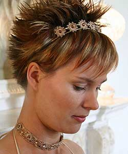 short hair dressed up with spiky texture in back and hair accessory