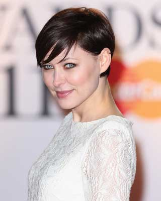 wispy bangs on short hair