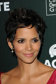 Halle Berry short hair front view