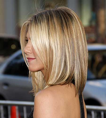 Honey Blonde Highlight Medium Bob Hair Cut