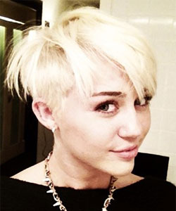 Miley Cyrus first haircut as pixie do when she first tweeted her photo in 2012