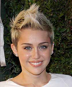 Miley Cyrus look in February 2013