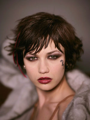 Rock Short Hair - Olga Kurylenko - Hitman