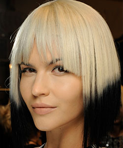 model with black and white ombre wigs