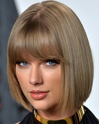 taylor swift with short chin-length bob and full blunt bangs