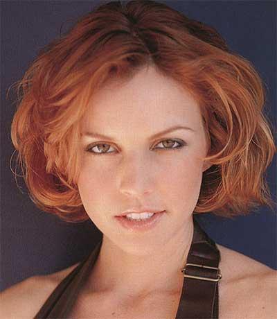 short wavy red hair