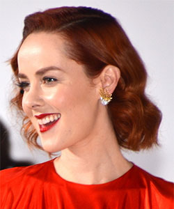 Jena Malone's Red-Hot Mockingjay Premiere Hair and Makeup Look