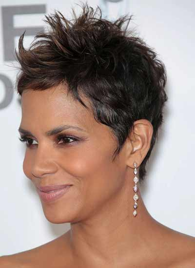 Halle Berry with few highlight in The Warner Theater 2013
