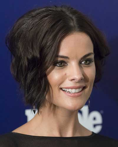 Jaimie Alexander with wavy bob haircut