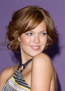 mandy moore with brown and caramel highlight