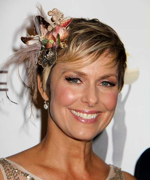 Melora Hardin - 2014 casual short hair with hair accessories