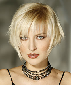 razor hair cut blond hair model