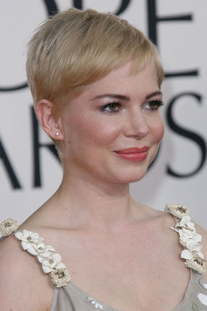 pixie cut on round face