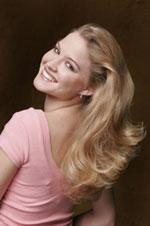 teen hairstyle wavy vanilla blonde and light caramel