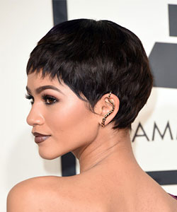 Zendaya with short black colored wig side view