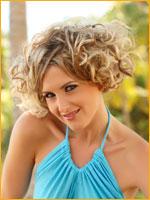 summer hair style curly hair at beach side