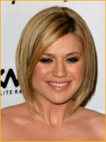kelly clarkson with short chin length bob