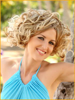 summer hair style curly hair at beach side