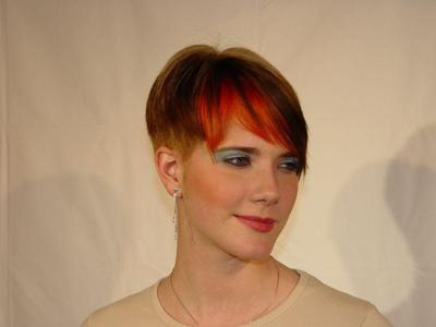 Short, Copper Brown Ginger HL with Red-Orange Bangs
